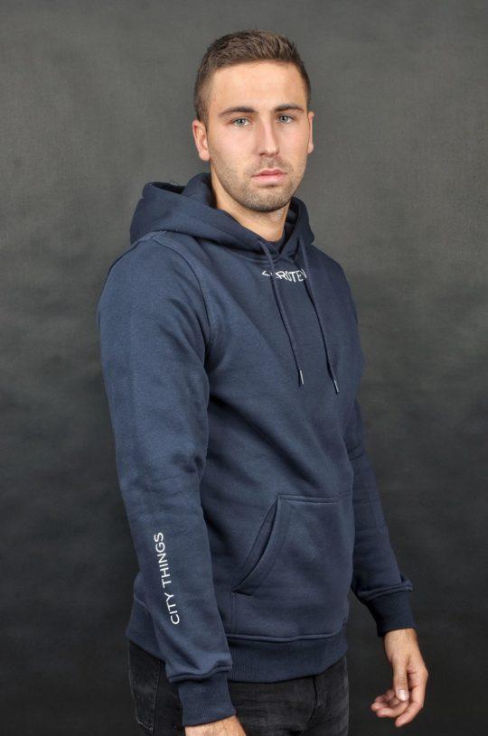 Navy hoodie geïnspireerd op de Rotterdamse cultuur